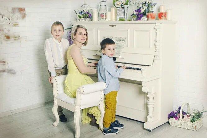 Полина Шахова с детьми. Фото из личного архива героини